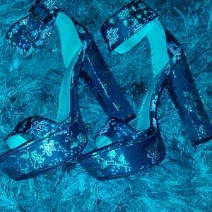 Vintage floural Sandle heel
